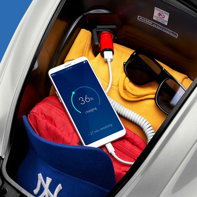 power charger di dalam bagasi seluas 14 liter 1 Honda Genio